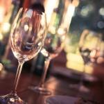 Viaggi: le regole del galateo a tavola nel mondo